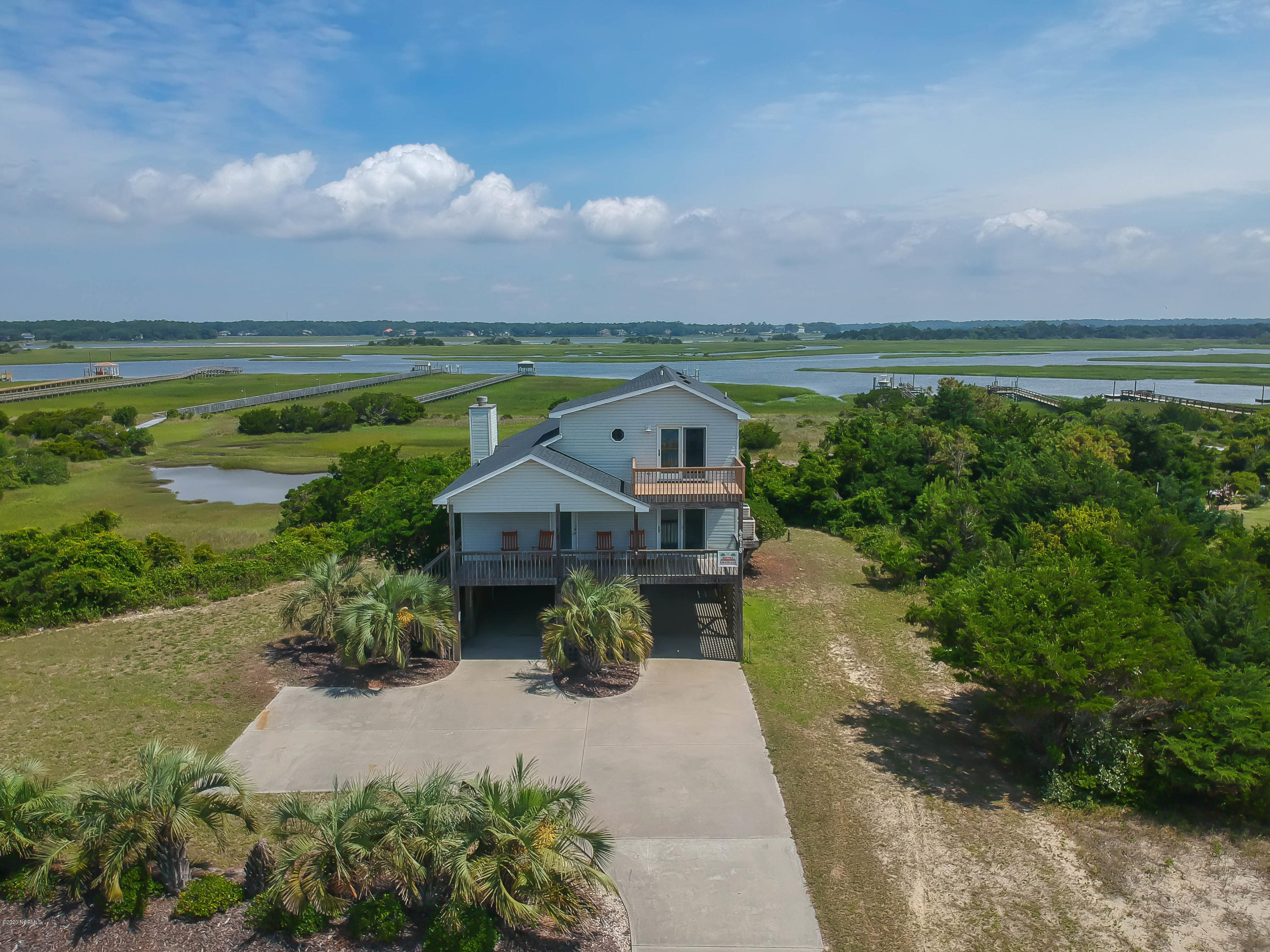 6618 Kings Lynn Drive Oak Island, NC 28465