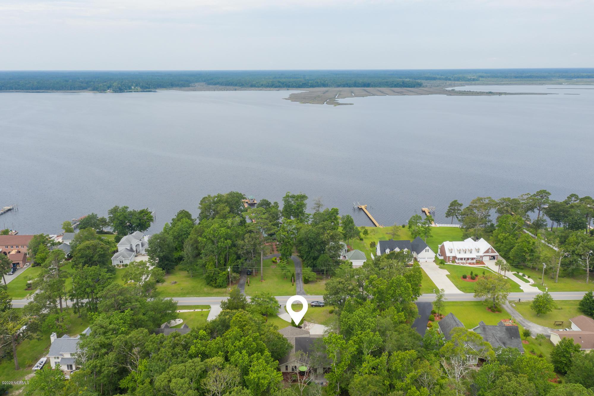 119 White Oak Bluff Road, Stella, North Carolina 28582, 3 Bedrooms Bedrooms, ,2 BathroomsBathrooms,Residential,For Sale,White Oak Bluff,100223884