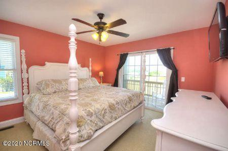 2725 W Beach Drive Oak Island, NC 28465