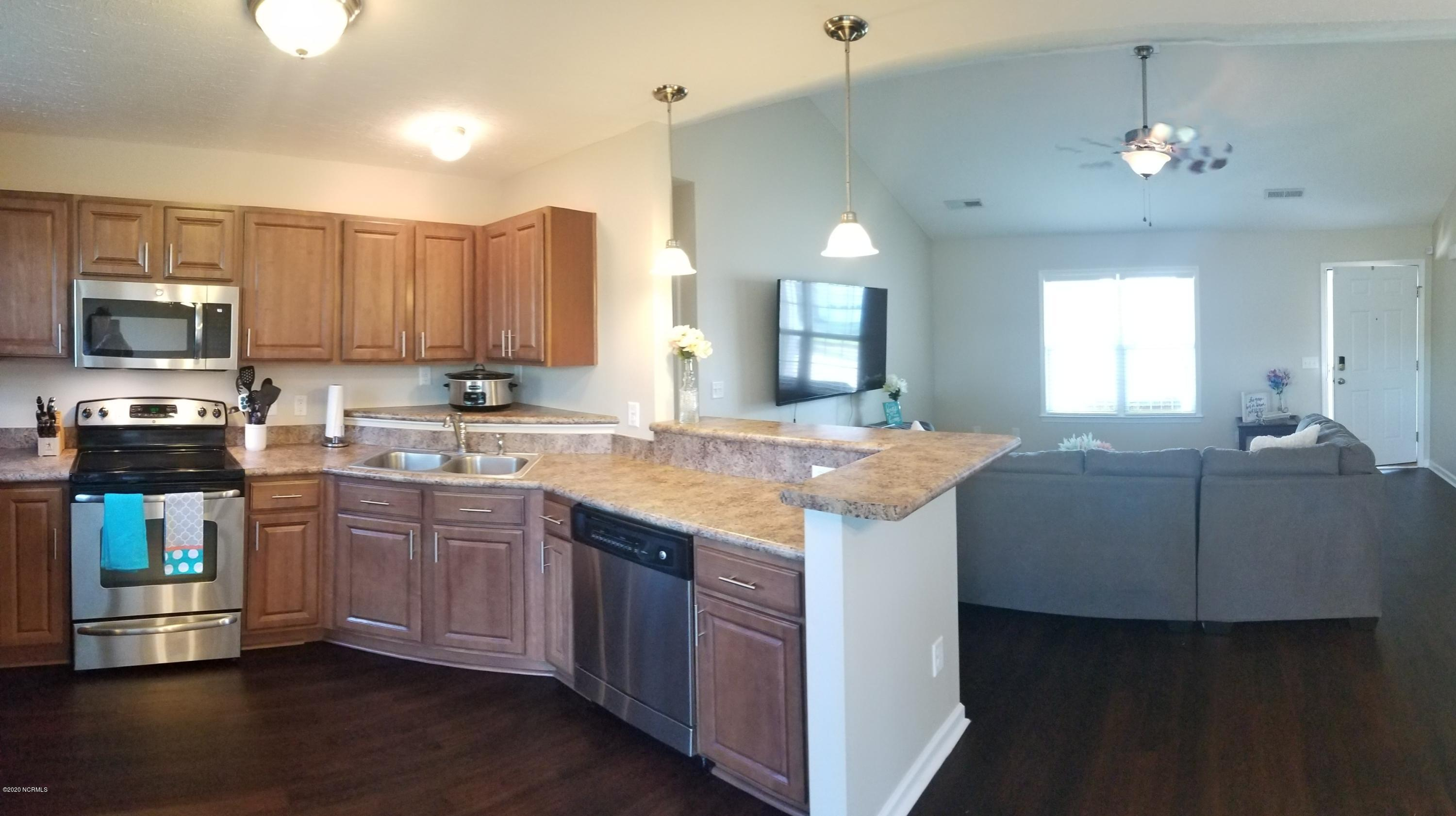 412 Tree Court, Holly Ridge, North Carolina 28445, 3 Bedrooms Bedrooms, ,2 BathroomsBathrooms,Residential,For Sale,Tree,100226455