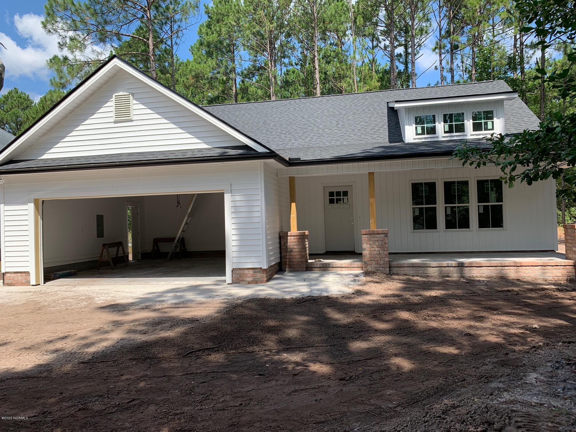 4080 Country Garden Lane Southport, NC 28461