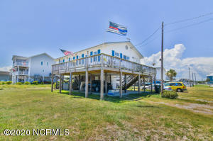 1809 N New River Drive, Surf City, NC 28445