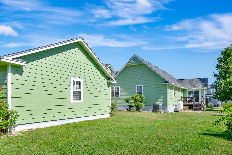 402 Shoreline Drive, Cedar Point, North Carolina 28584, 3 Bedrooms Bedrooms, ,2 BathroomsBathrooms,Residential,For Sale,Shoreline,100229377