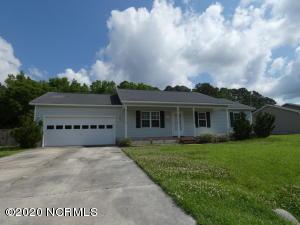 108 Pear Tree Lane, Richlands, NC 28574