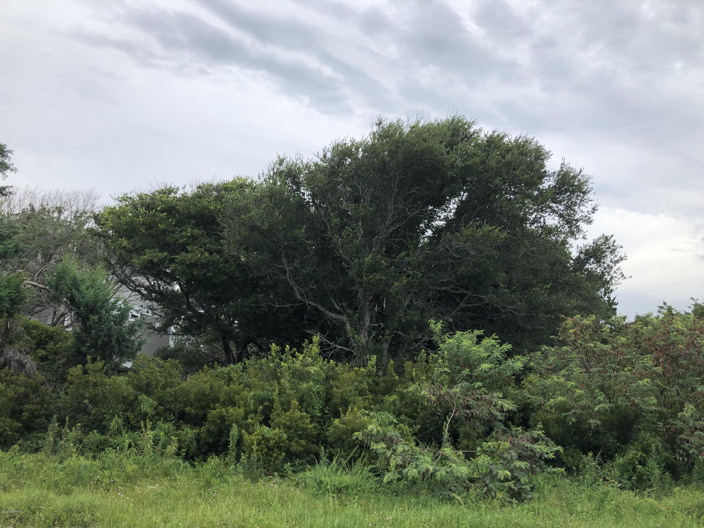 208 W Pelican Drive Oak Island, NC 28465