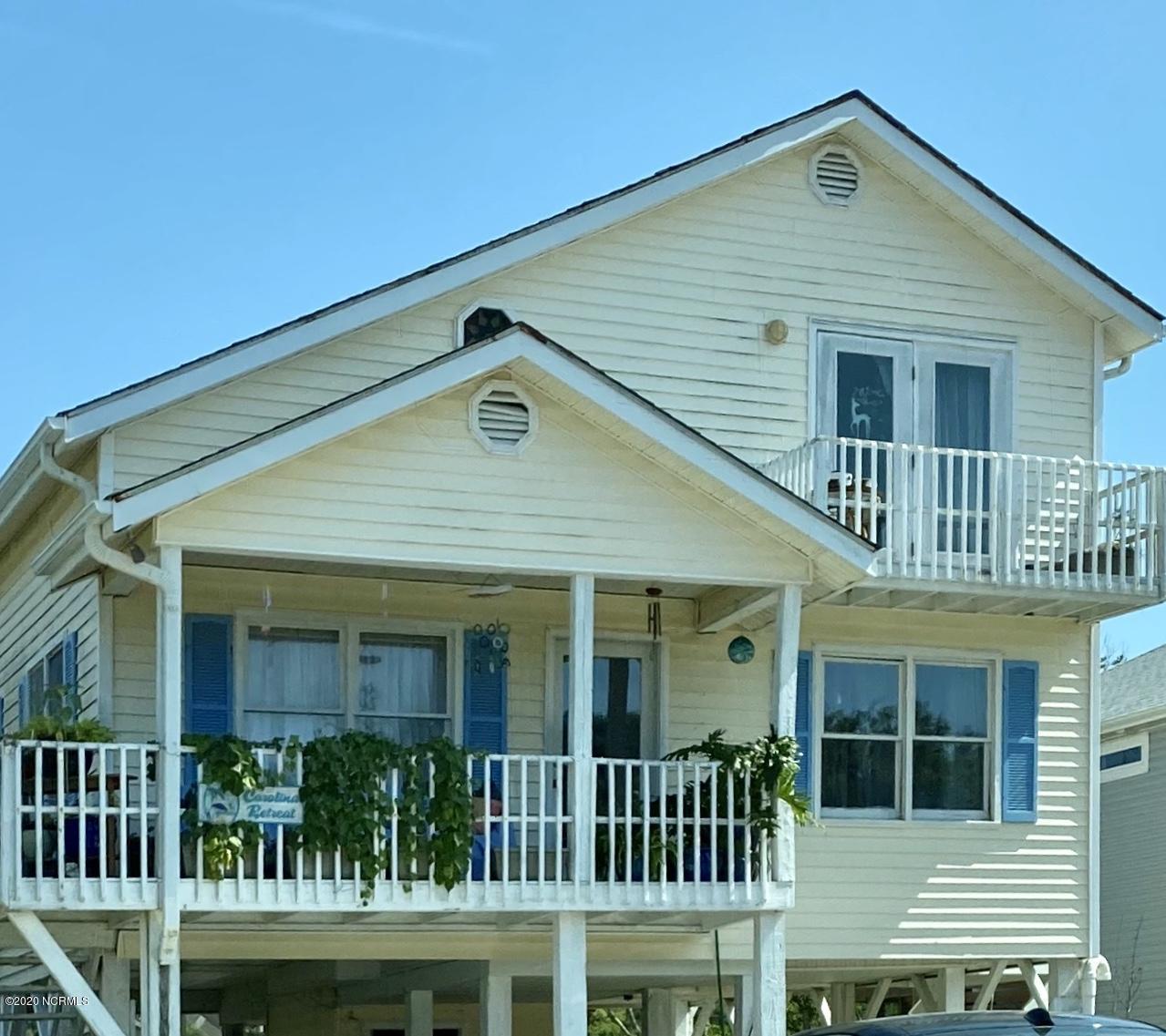 920 E Pelican Drive Oak Island, NC 28465