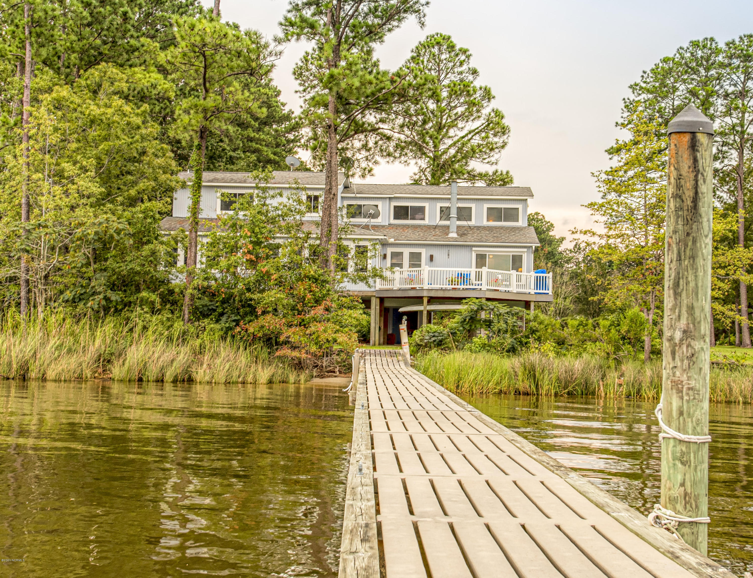 Property for sale at 6107 E Mainsail Point Road, Oriental,  North Carolina 28571