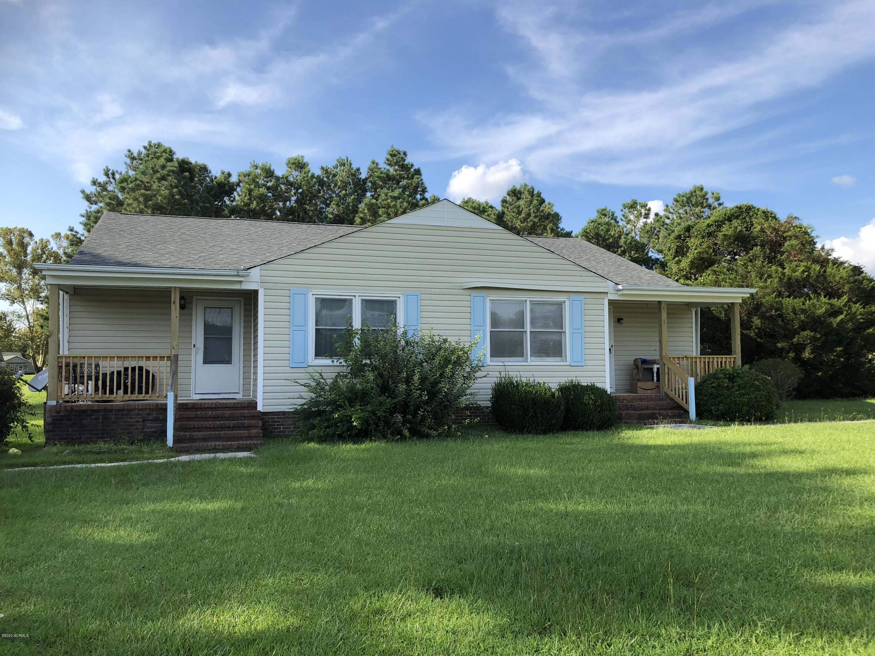 200 Lakeside Drive, Sneads Ferry, North Carolina 28460, 2 Bedrooms Bedrooms, ,2 BathroomsBathrooms,Residential,For Sale,Lakeside,100232143