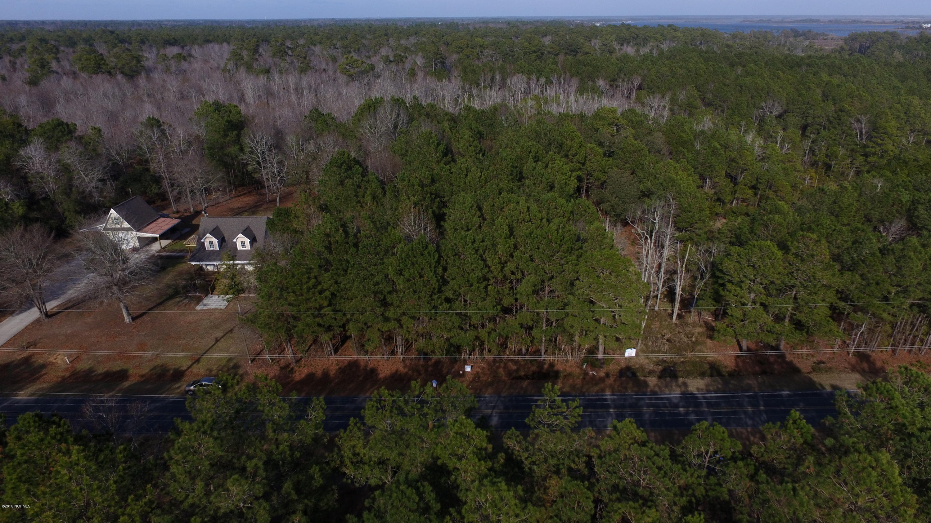 Vacant land just waiting for you to build your dream home on it! Located close to Jacksonville and the back gate of Camp Lejeune. Enjoy the local beaches with the convenient location close to North Topsail Beach, as well.