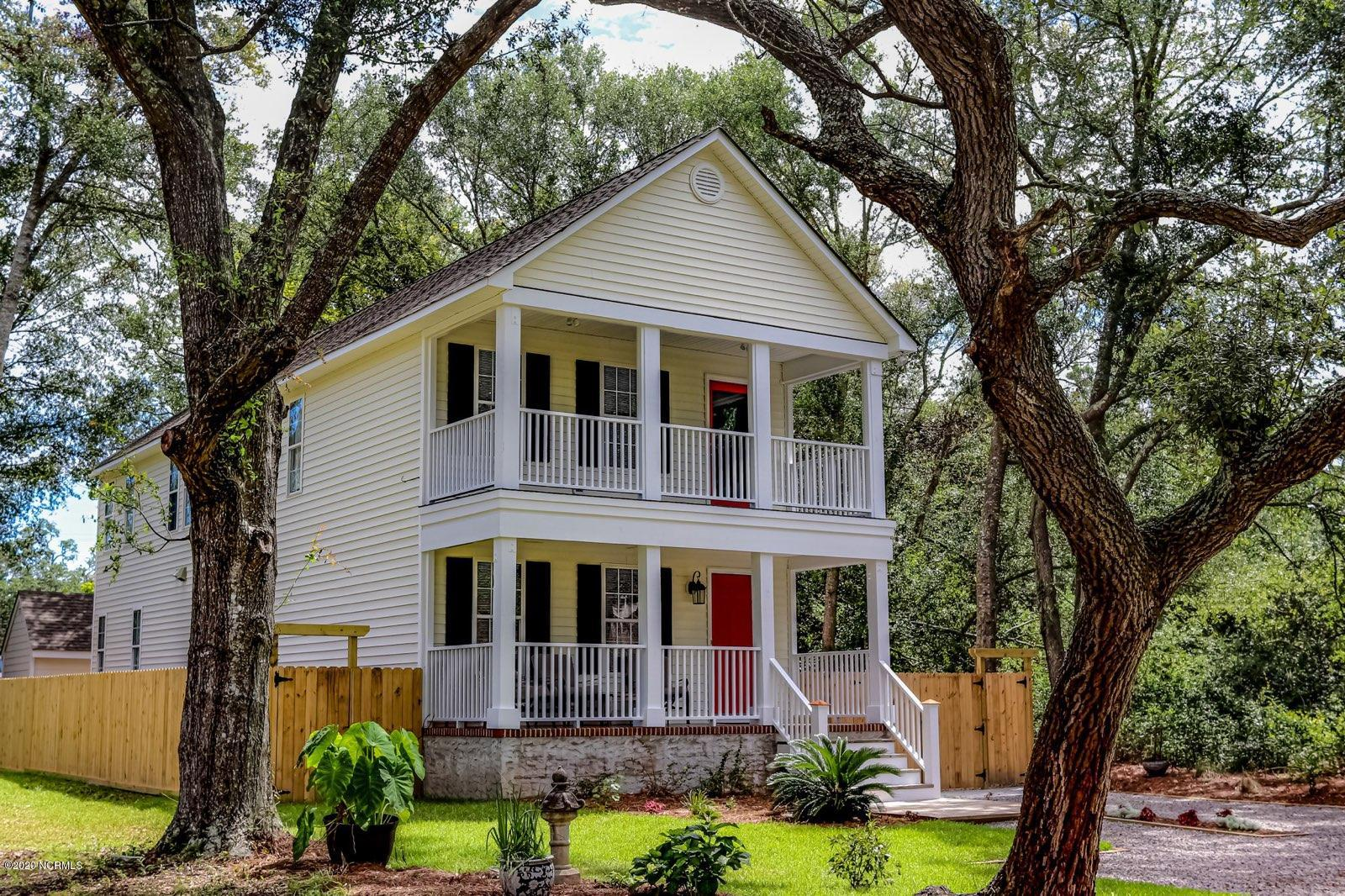 1106 Lord Street, Southport, North Carolina 28461, 4 Bedrooms Bedrooms, ,4 BathroomsBathrooms,Residential,For Sale,Lord,100233223