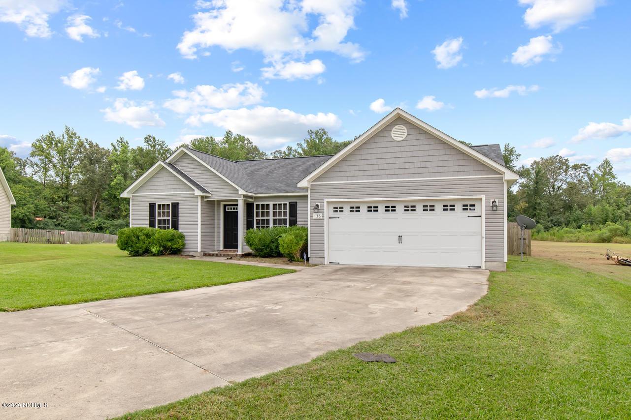 136 Woodbury Farm Drive, Jacksonville, North Carolina 28540, 3 Bedrooms Bedrooms, ,2 BathroomsBathrooms,Residential,For Sale,Woodbury Farm,100233389