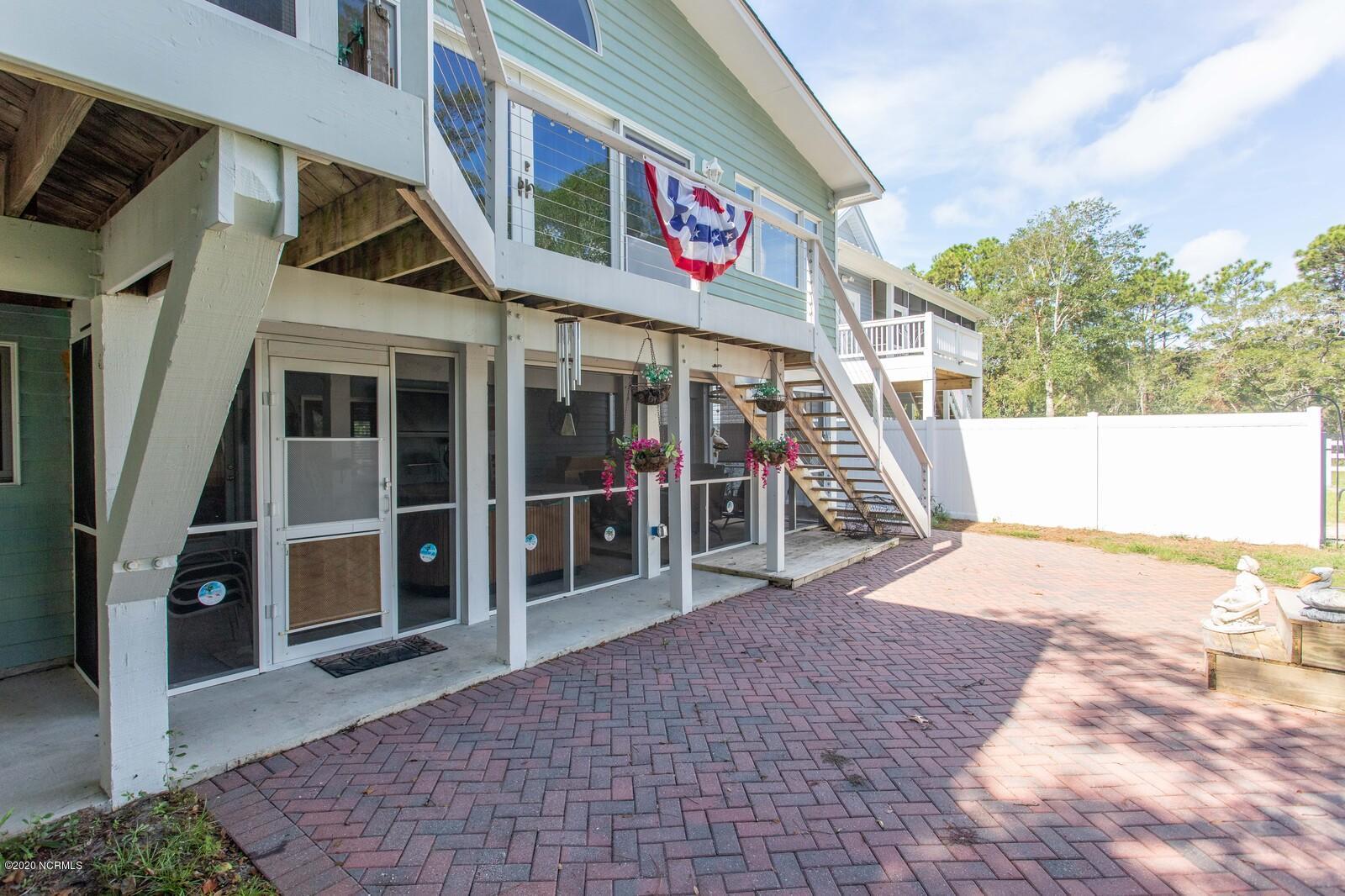 404 E Yacht Drive Oak Island, NC 28461