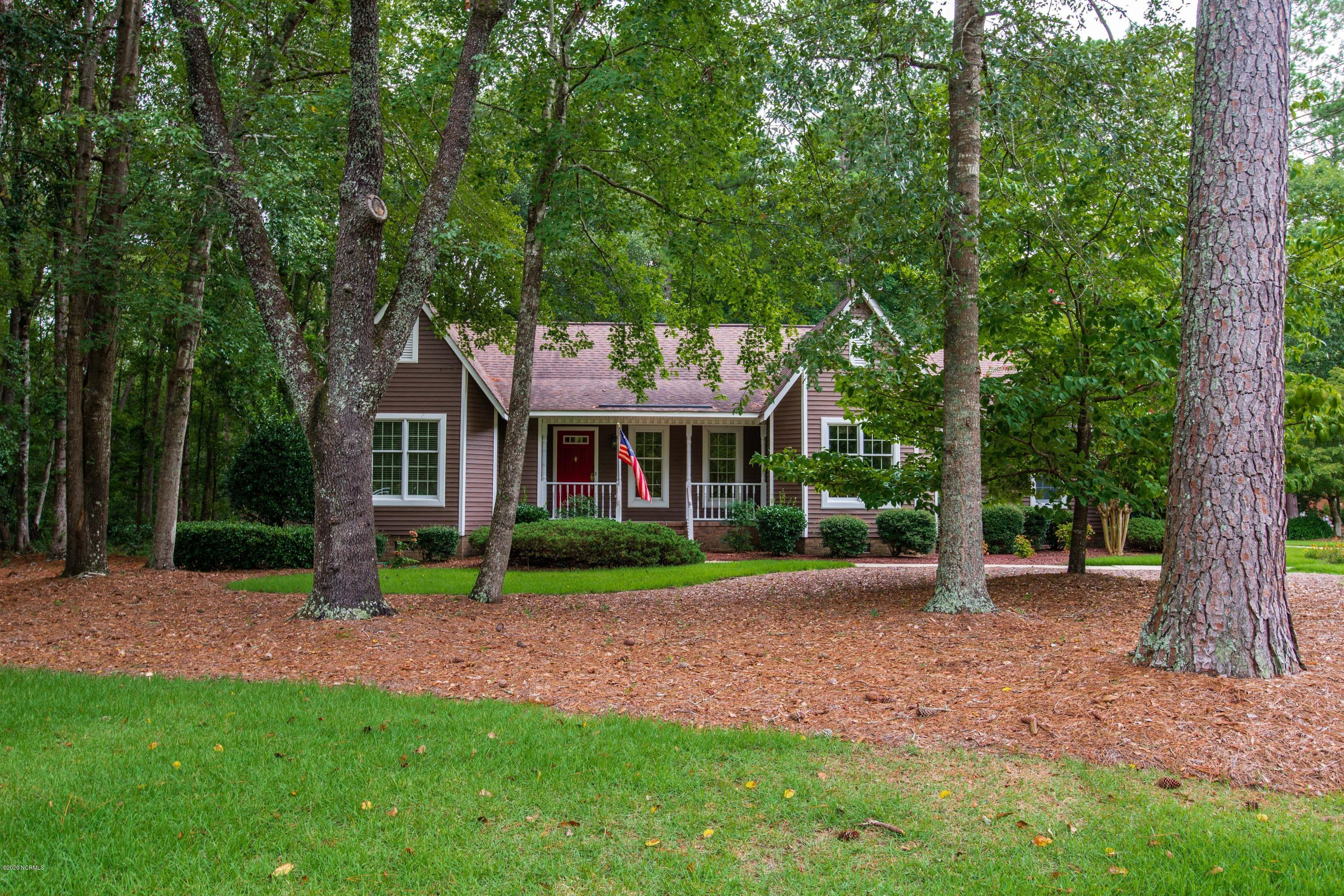 104 Southern Hills Drive, New Bern, North Carolina 28562, 3 Bedrooms Bedrooms, ,2 BathroomsBathrooms,Residential,For Sale,Southern Hills,100233587