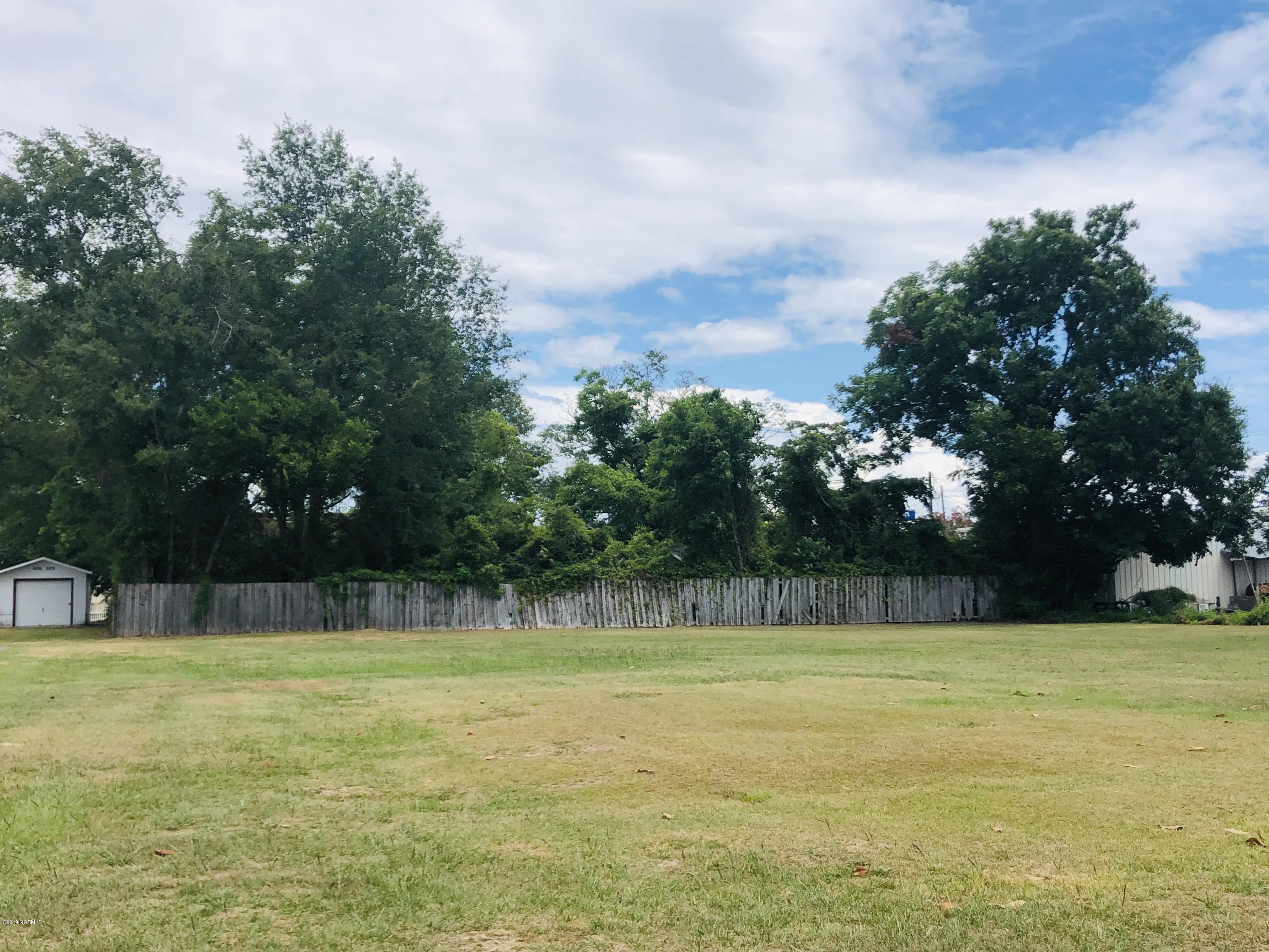 This is a great buildable lot(or 2!) in Jacksonville city limits. City roads and sewer, 60 feet of road frontage on each cleared lot, super convenient location. There are 2 lots for sale. Both are 0.21 acres. If you buy both, the combined asking price will be $55,000.