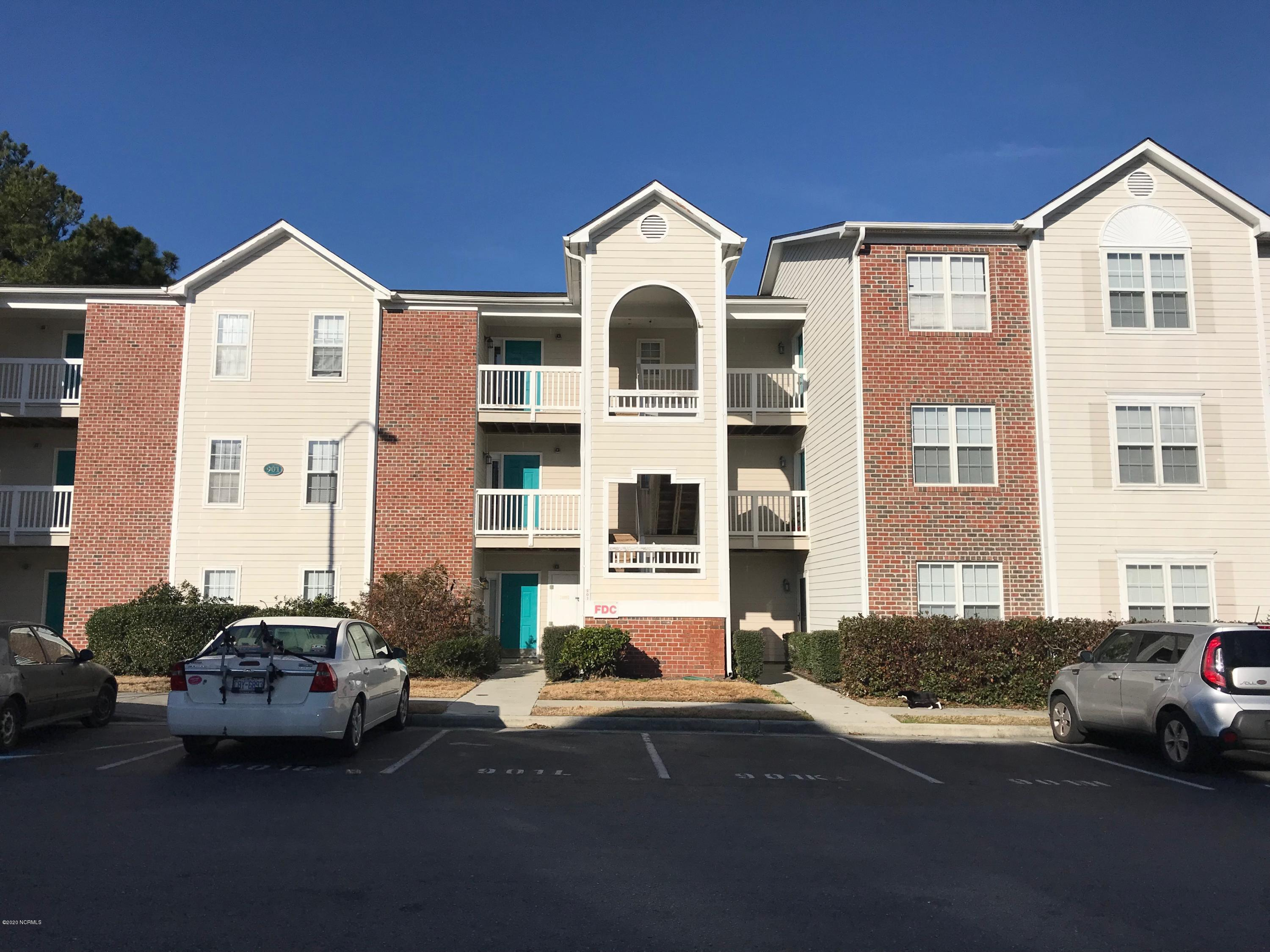715 Clearwater Court, Wilmington, North Carolina 28405, 2 Bedrooms Bedrooms, ,2 BathroomsBathrooms,Residential,For Sale,Clearwater,100234479
