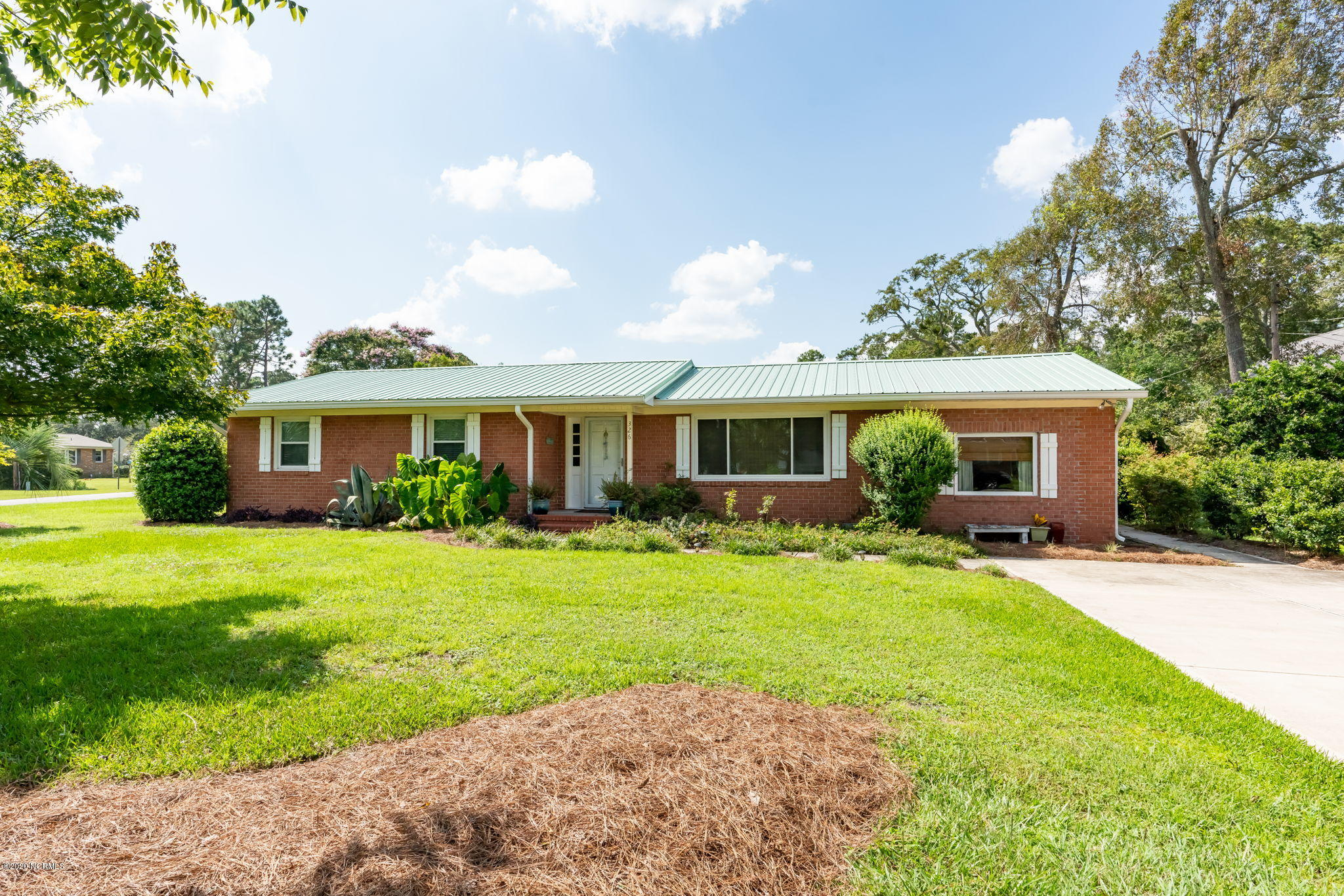 326 Englewood Drive, Wilmington, North Carolina 28409, 3 Bedrooms Bedrooms, ,2 BathroomsBathrooms,Residential,For Sale,Englewood,100235298