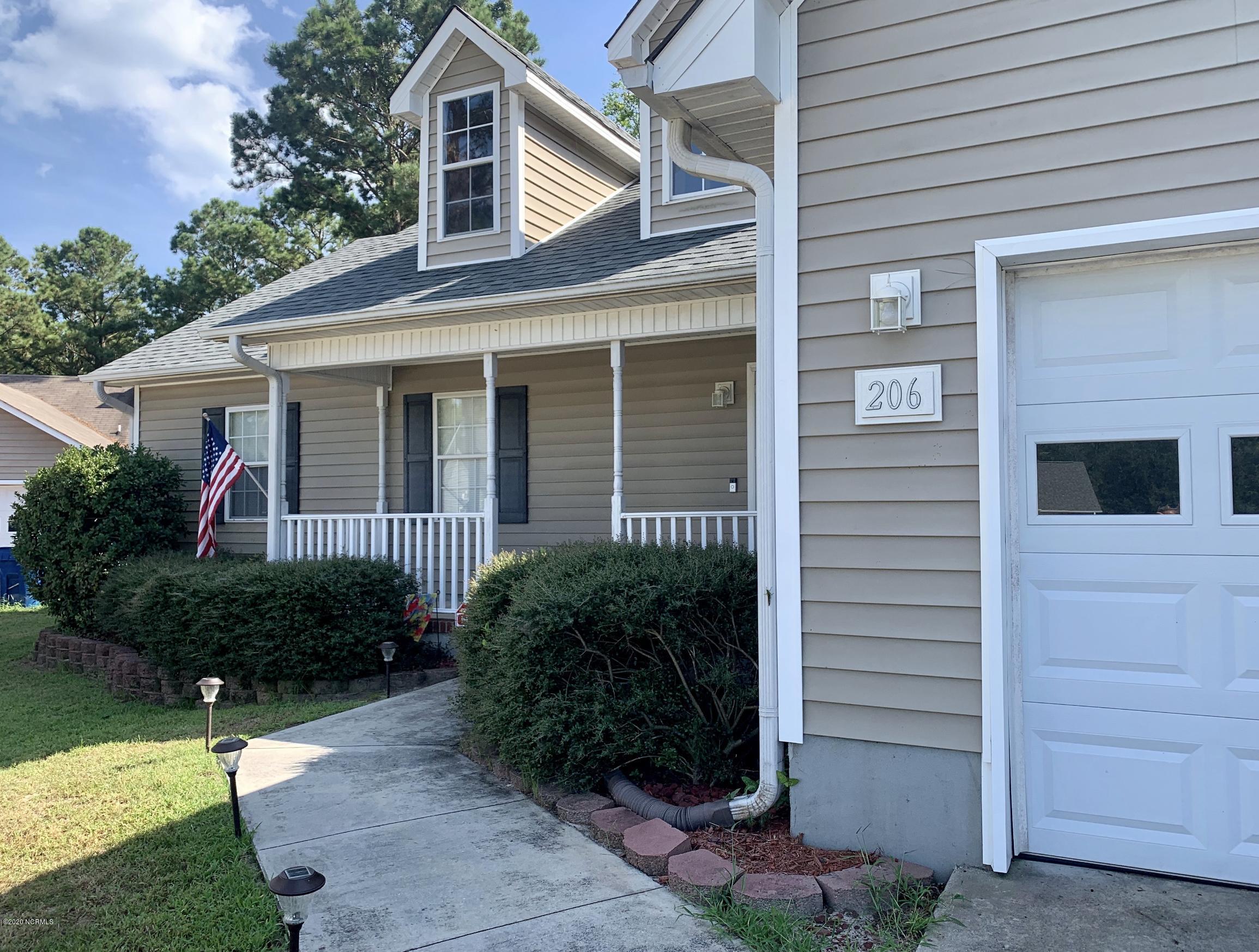 206 Bluebird Court, Sneads Ferry, North Carolina 28460, 3 Bedrooms Bedrooms, ,2 BathroomsBathrooms,Residential,For Sale,Bluebird,100235429