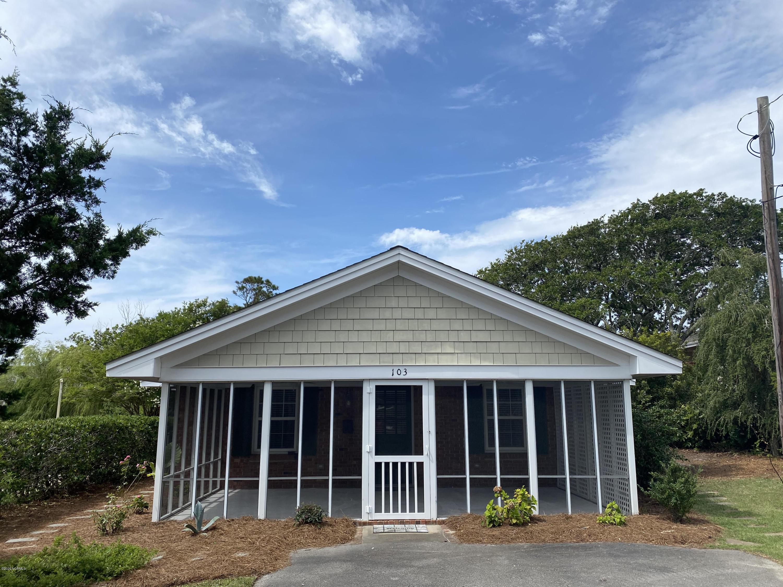 103 Seaview Street, Beaufort, North Carolina 28516, 2 Bedrooms Bedrooms, ,2 BathroomsBathrooms,Residential,For Sale,Seaview,100235619
