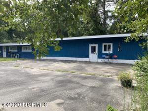 Studio Right Side/Homeowners Quarters Left Side