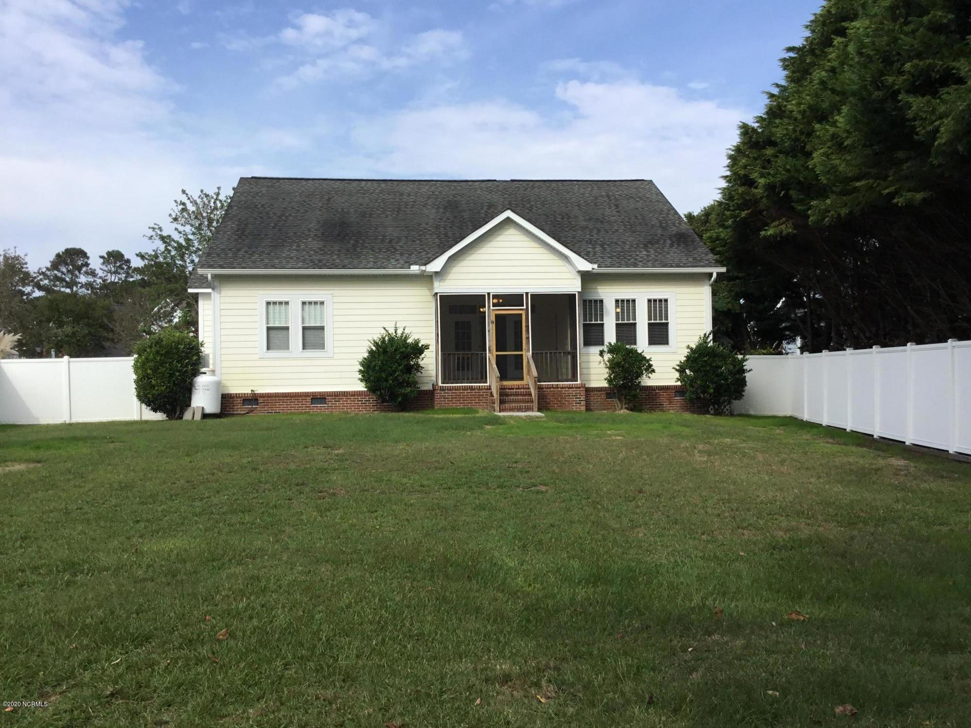 5072 Glen Cove Drive Southport, NC 28461