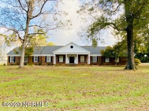 518 Edgewood Circle, Whiteville, NC 28472