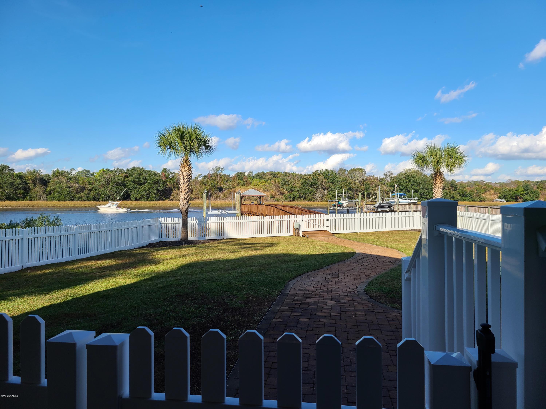 1404 W Yacht Drive Oak Island, NC 28465