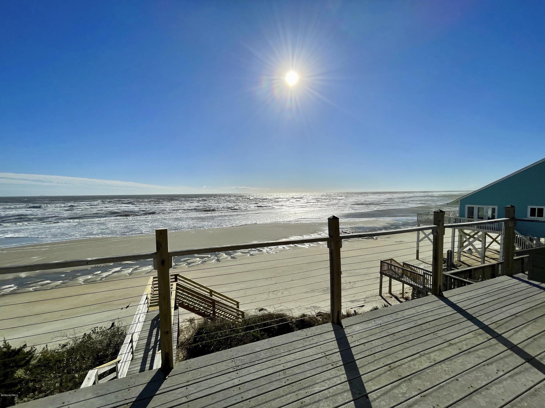 6715 W Beach Drive Oak Island, NC 28465