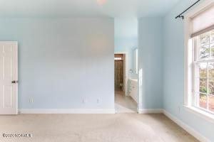 Bedroom 3 vanity area