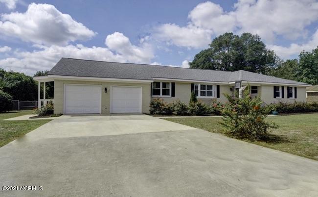 1041 Parkwood Drive Leland, NC 28451