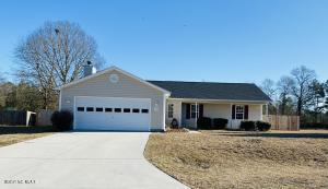 218 Redberry Drive, Richlands, NC 28574