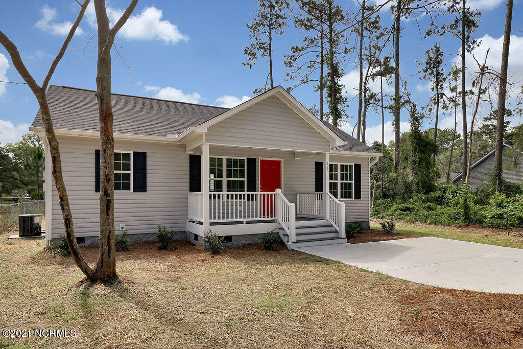 324 Holly Drive Southport, NC 28461