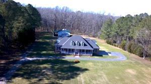 723 State Highway 124, Pinetops, NC 27864