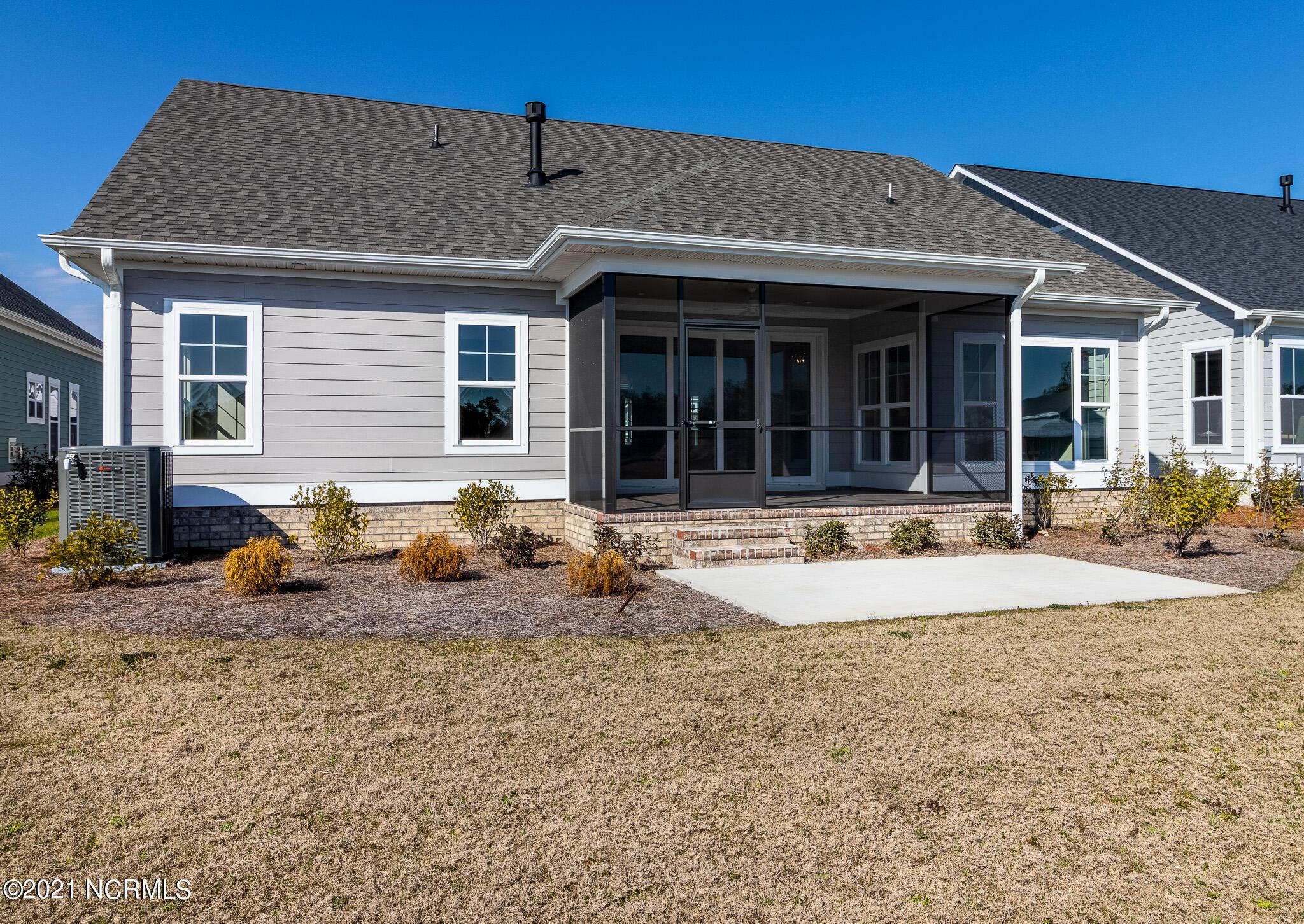 3453 Lake Club Circle Oak Island, NC 28461