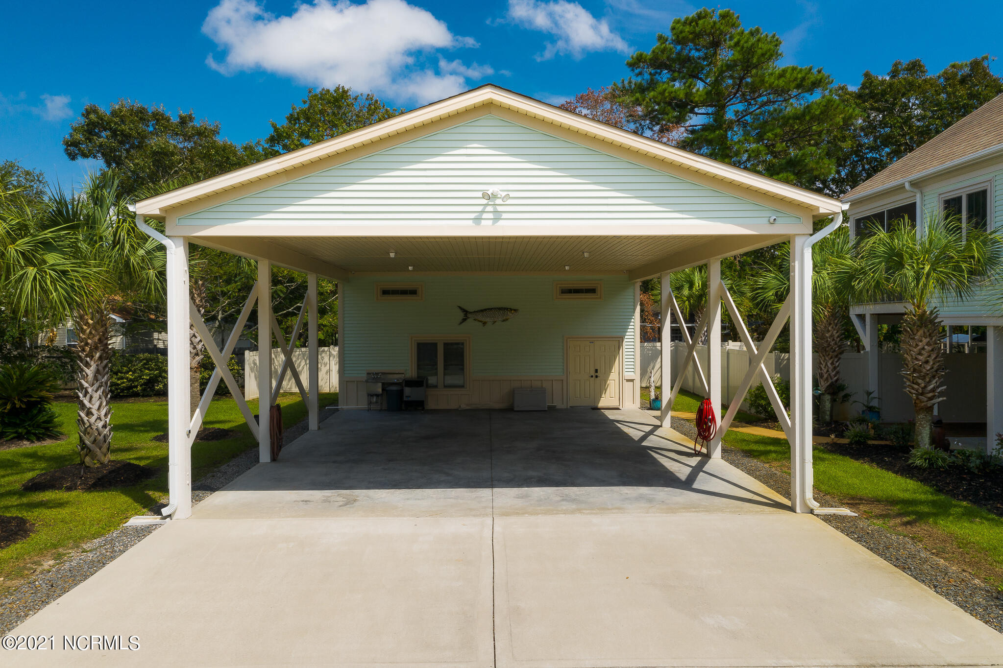 136 NE 29th Street Oak Island, NC 28465