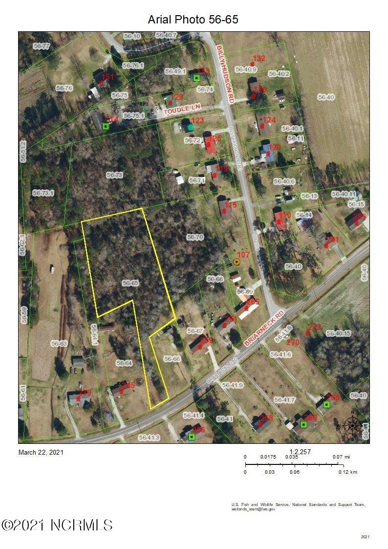 Build your dream home on this beautiful wooded lot.  Close to shopping, schools and marine corps bases, but secluded and private!