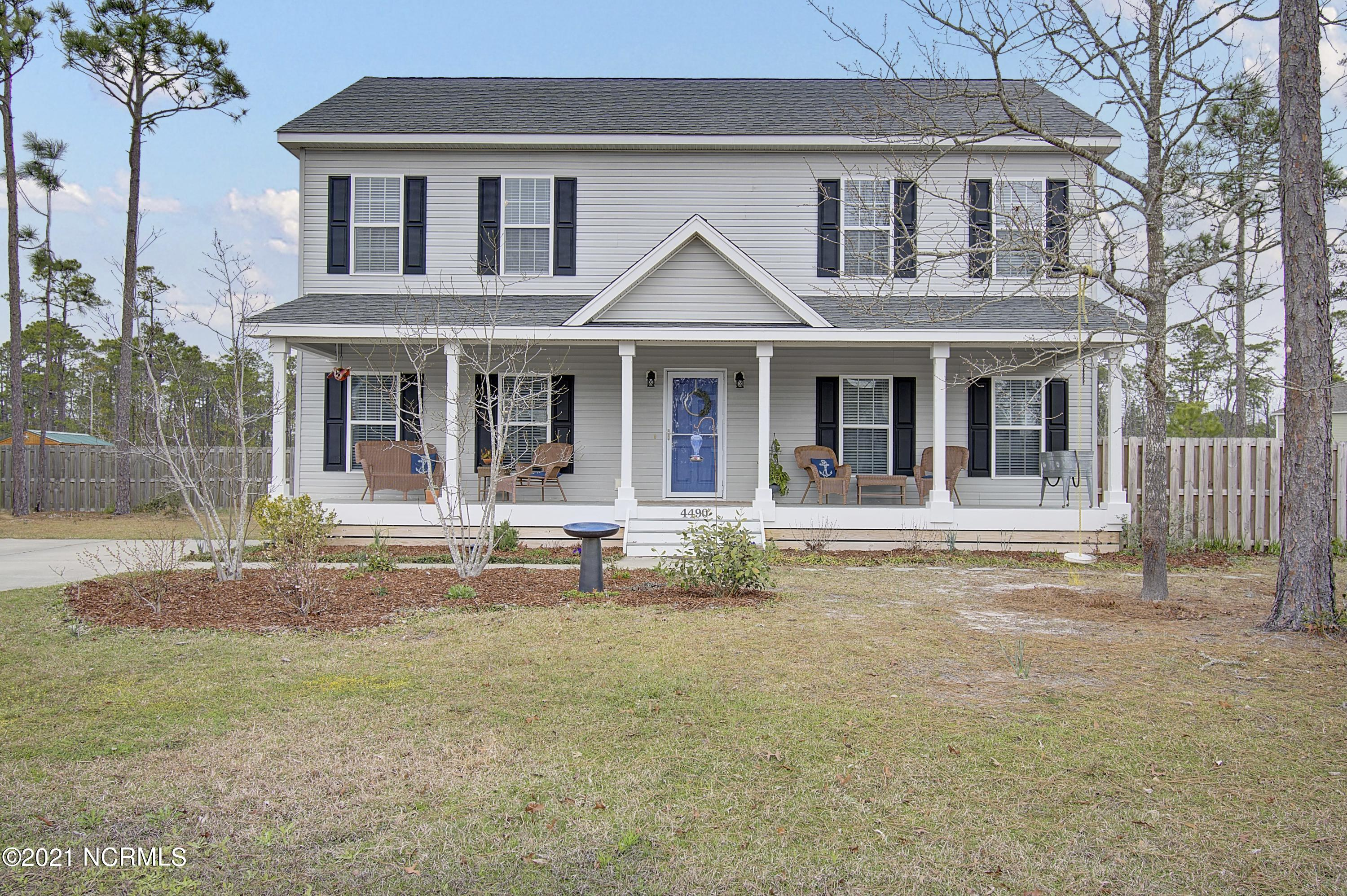 4490 Pinewood Village Drive Southport, NC 28461