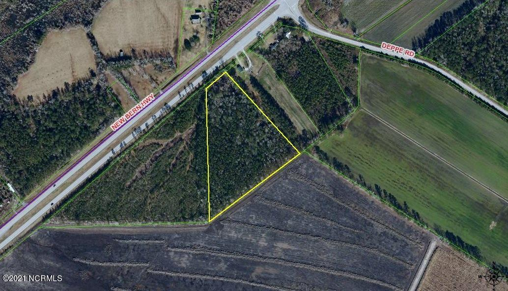 Over 7 acres of undeveloped land for sale!  Land is zoned RA and has approximately 160 ft of road frontage on New Bern Hwy/US Hwy 17.  Great property for someone with horses.