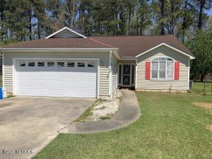 84 Dogwood Avenue, Whiteville, NC 28472