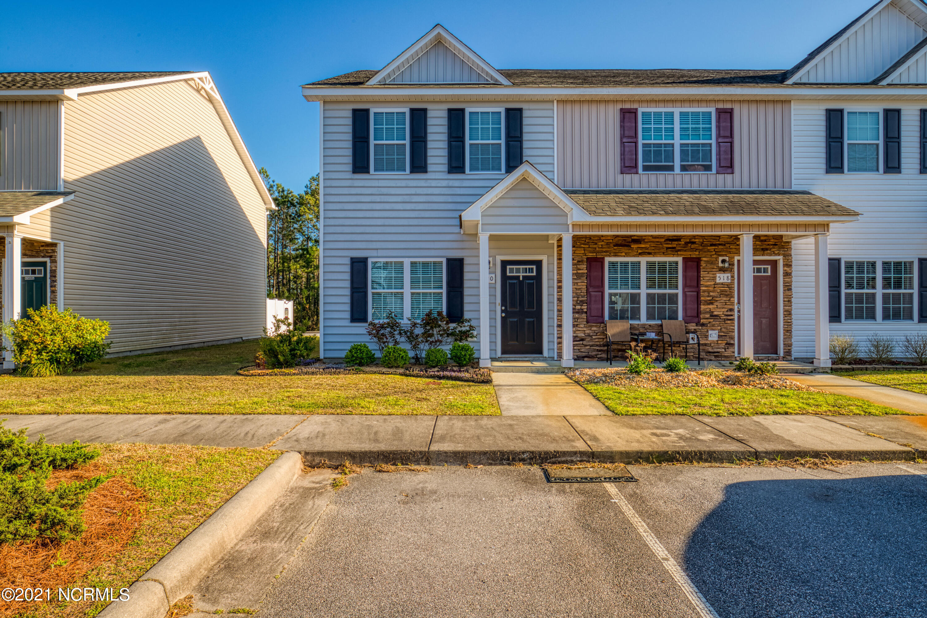 Beautiful 2 story 2 bedroom 2.5 bathroom townhouse located in the Oyster Landing Townhomes subdivision. Townhouse is near the beach, local dining, and there is a community pool! Come check it out, it won't last long!