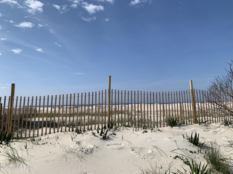2623 E Beach Drive Oak Island, NC 28465