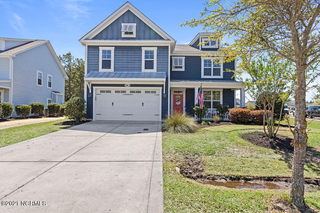 Surf City premier community in Saltwater Landing has this gorgeous 5 bedroom 3.5 bath available.  Kitchen has just been repainted and added architectural detailing and smart home features buyers will love!   Minutes away from Topsail Island and Surf City shops and restaurants.