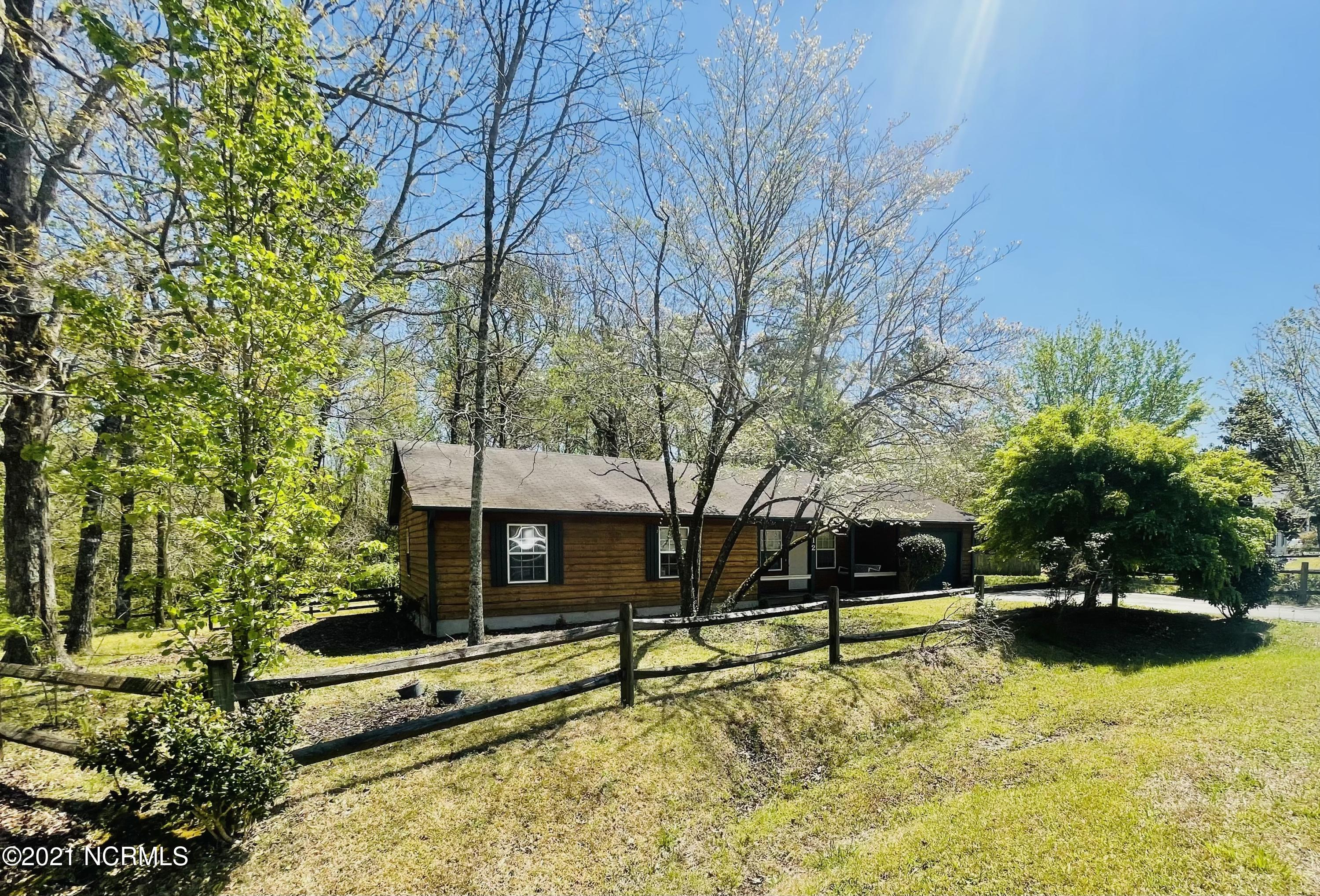 This 3 bedroom and 2 bathroom country living home is hot on the market! This home features a huge backyard and a large laundry room! Call today to schedule your showing!