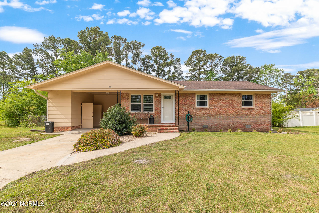 Welcome to 10 Oxford Drive! Check out this 3 bed ranch conveniently located from everything you could possibly need. This home is just minutes from Camp Lejeune, local schools, and the Piney Green shopping center! With updated flooring throughout and a large fenced in yard this is the perfect starter home. Did I mention NO CITY TAXES? Schedule your showing today!