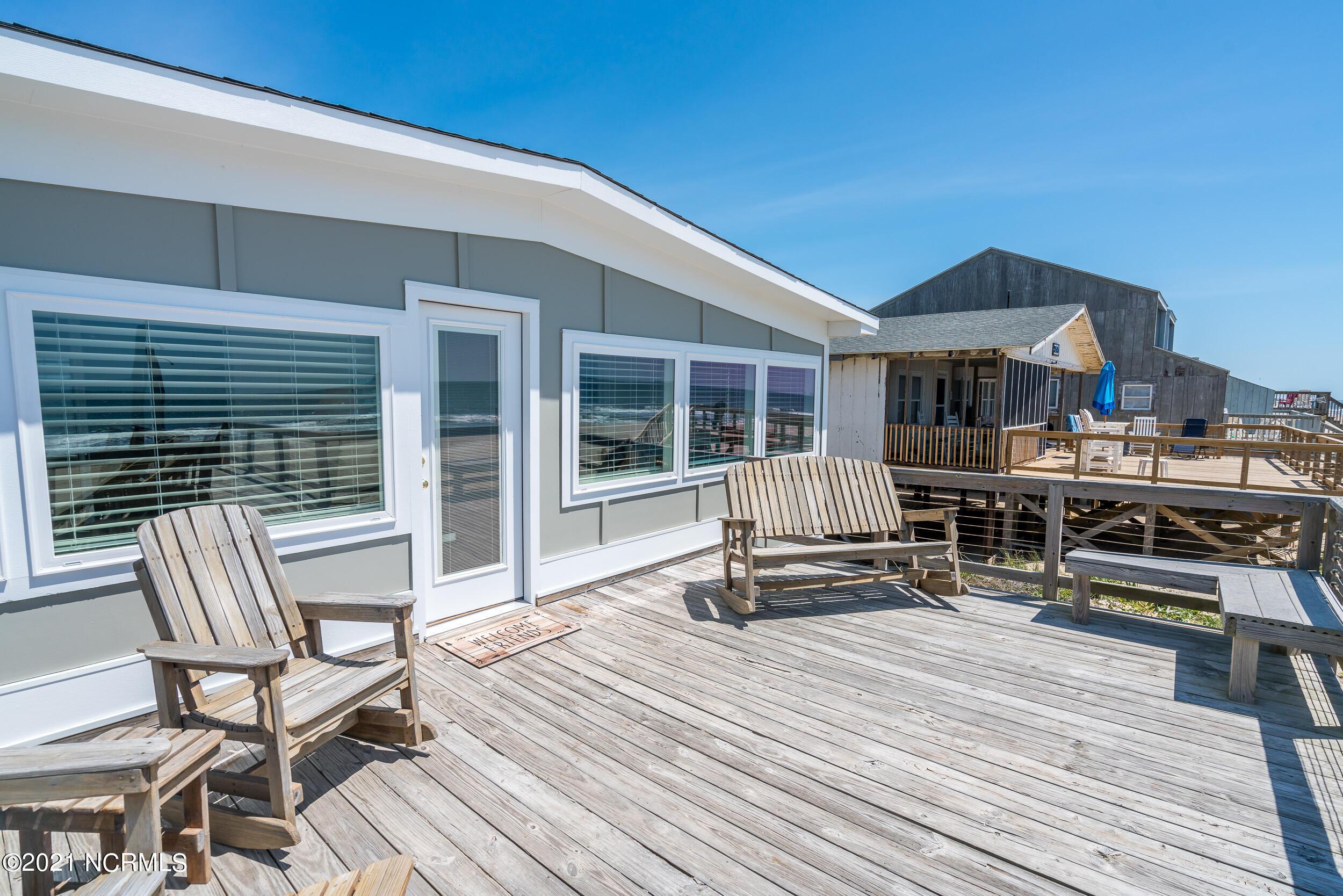 2517 W Beach Drive Oak Island, NC 28465