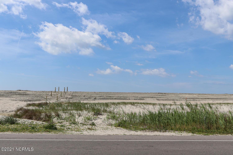 5515 E East Beach Drive Oak Island, NC 28465