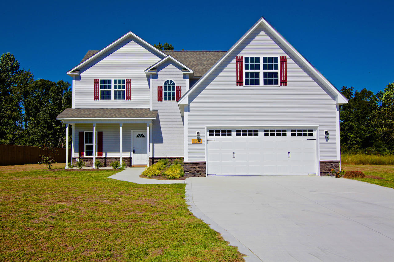 This spacious home, tucked back into Everett Creek Estates, is perfect for anyone looking for a home with water access in the Sneads Ferry area! At over 2,400 sq. feet and built by Onslow County's premier builder, David Wellman, in 2014 this home has all kinds of updated features including wood flooring in the kitchen and dining room, a gas fireplace, granite countertops and stainless steel appliances in the kitchen, a formal dining room and a 2 car garage. The amazing master suite gets great natural light and features a walk in closet, double vanity, separate walk in shower and a soaking tub with block glass window. Plus the laundry closet is located upstairs for your convenience!Whether it's an intimate gathering in the living room, a formal dinner in the dining room or a party that spills out into a gorgeous backyard there is plenty of room to entertain and sitting on 0.46 acres, with a FROG and 2 car garage there is plenty of room for your hobbies...whether its gardening, crafting, boating, wood working or having Sunday BBQ's with your family and friends! The FROG is also the perfect space for anyone working from home. Located in the sought after Dixon school district  and close to the beach and back gate of Camp Lejeune this home is a great investment! Tenant occupied through July 31.