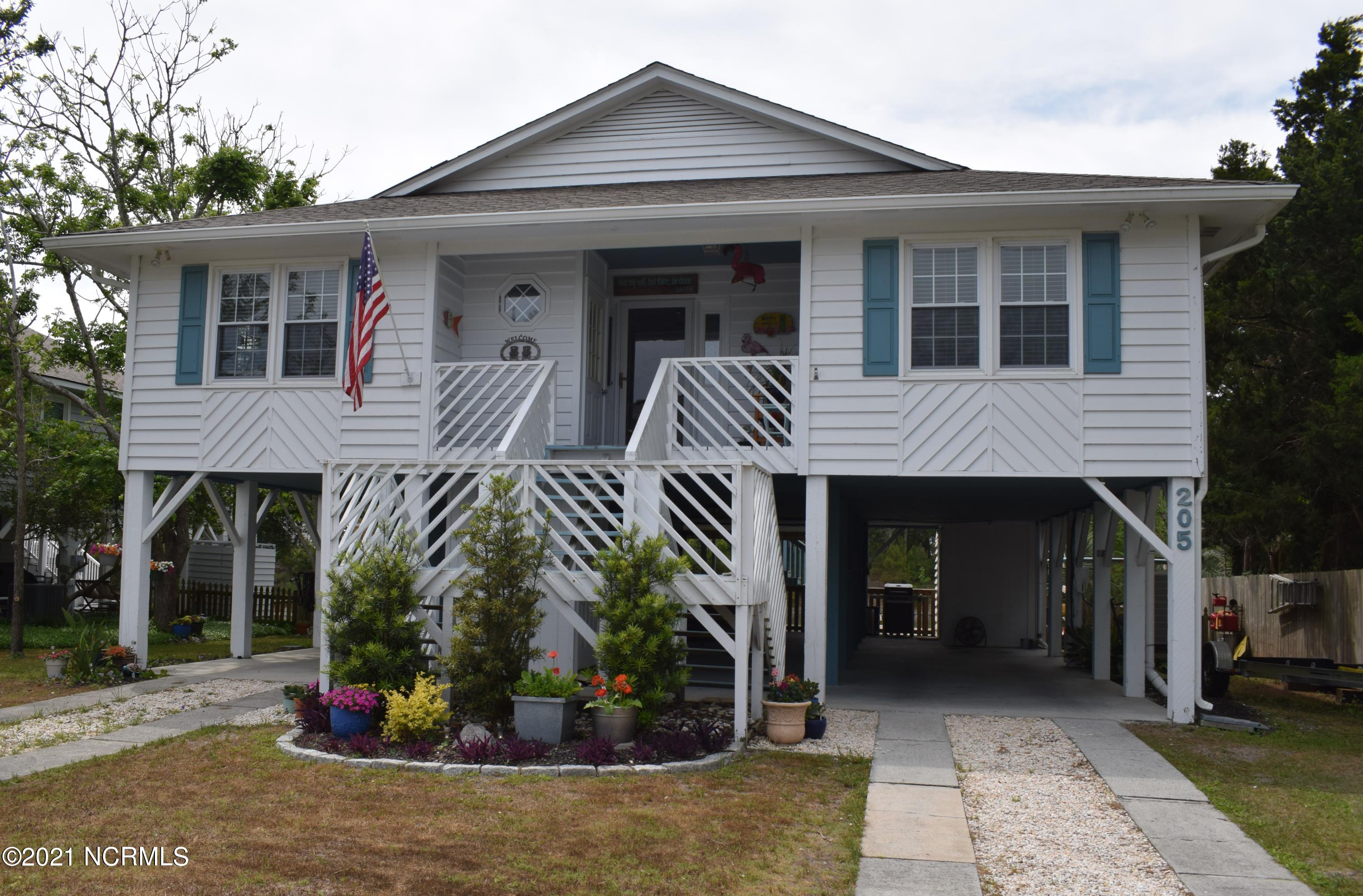 205 SW 15th Street Oak Island, NC 28465