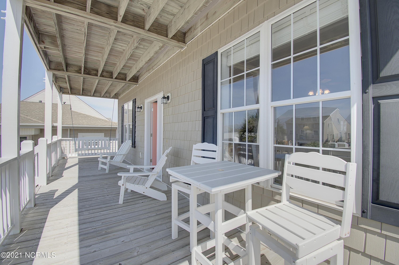 2338 W Beach Drive Oak Island, NC 28465