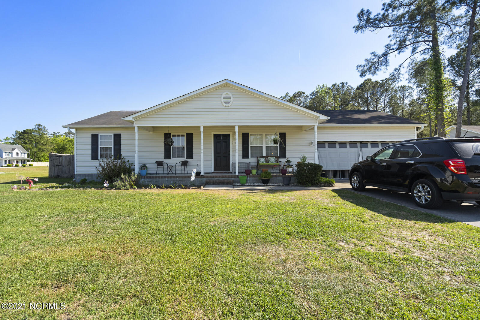 Bishop Ridge is located in the sought after Southwest area of Jacksonville. In a rural area with no city taxes or HOA, this home has a great fenced in back yard ready for entertaining on summer nights. 3 bedrooms and 2 full bathrooms complete this single family home with no carpet in the home, making for easy maintenance!