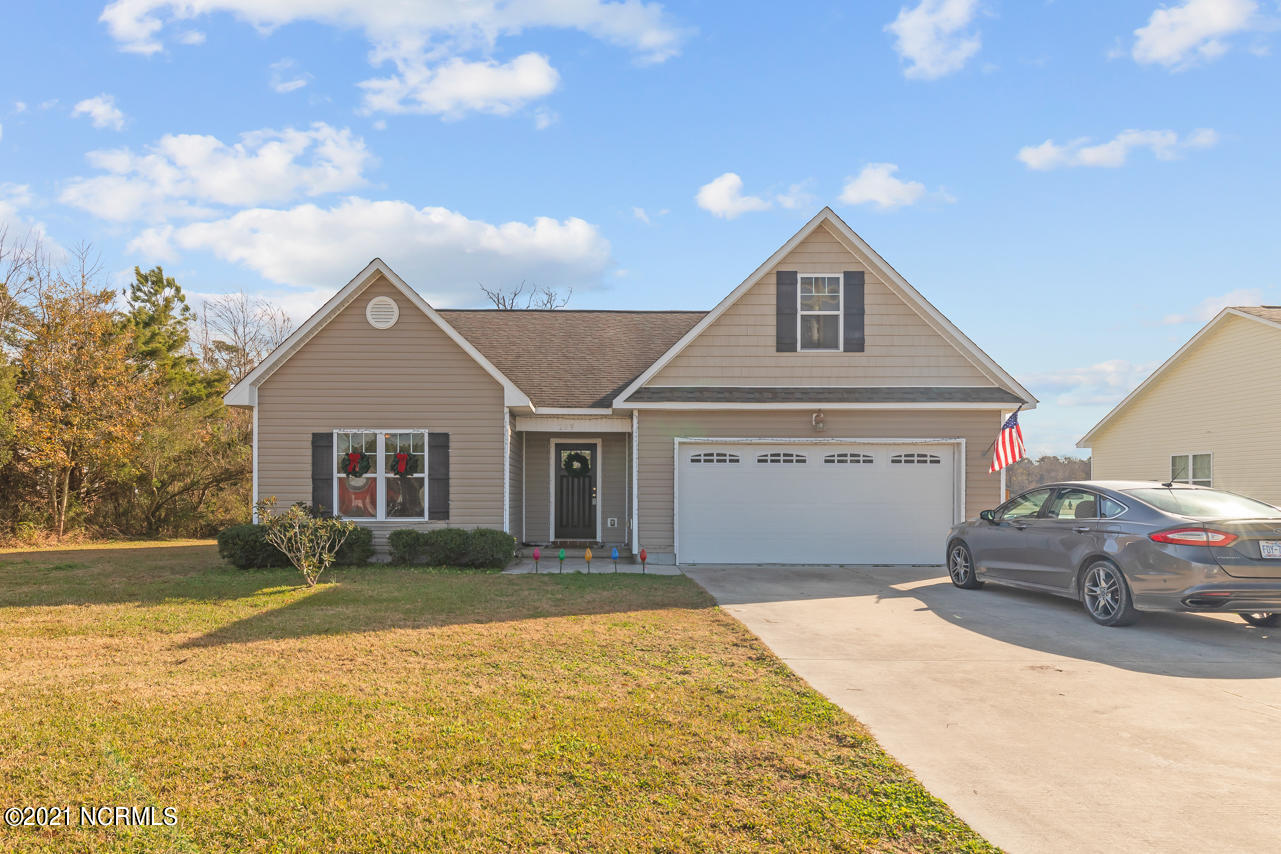 No city taxes! Beautiful 3 bed 2 bath with a bonus room. Perfect for either a second home or someone just starting out. Don't miss out, hurry up and schedule your showing today.